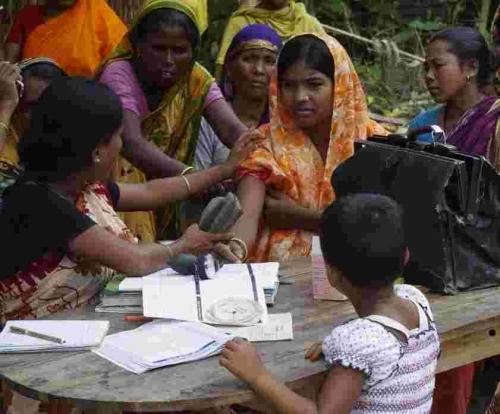 Advice, check-ups and medication for mothers in Sundarban is provided be projects supported by Tivertonians.