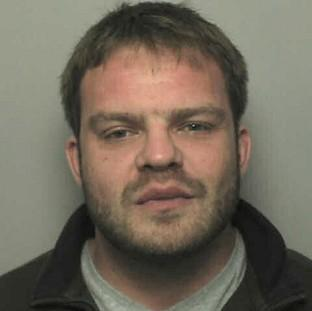 Mid Devon Star: On-the-run sex offender James Dunham, 33, rang police to complain that a news website was wrongly reporting his conviction
