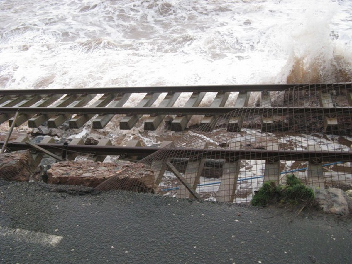Engineers race against time to shore up damaged rail line at Dawlish: PICTURES