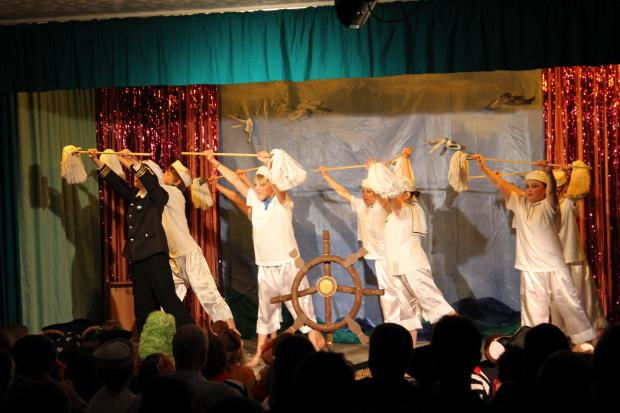 Mid Devon Star: Pirates of the Curry Bean the hottest show in town