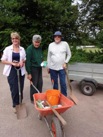 Cullompton volunteers do their bit for community