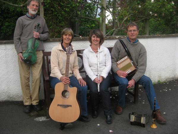 Mid Devon Star: Fraîch'Airs at Bradninch Folk Club