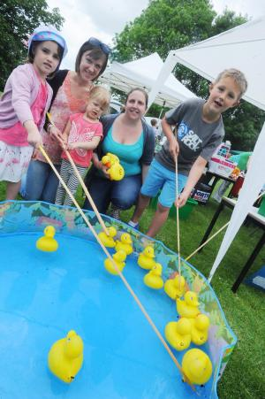 Mid Devon Star: PHOTOS: Uffculme Primary School summer fair