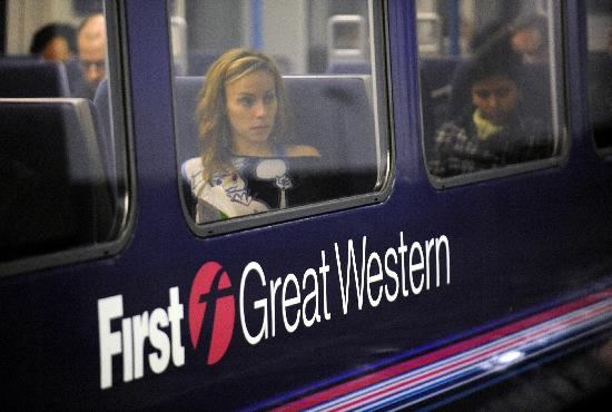 First Great Western cuts walk-up fares by 25% on journeys affected by Dawlish railway closure